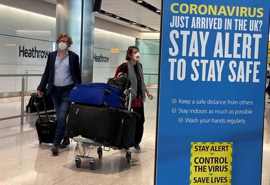 Passagiers komen aan op Heathrow Airport in Londen.