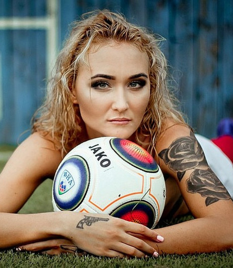 Naaktshoot Russische voetbalsters, derde generatie Maldini