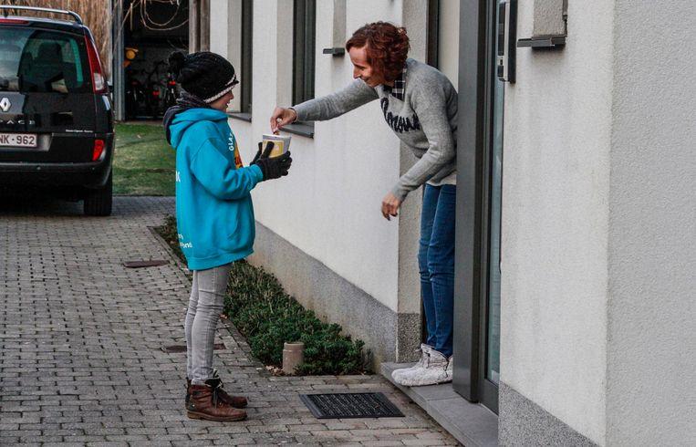 De mensen blijken een pak vrijgeviger te zijn dan de neefjes hadden gedacht. Ze haalden al bijna 2.900 euro op de voorbije weken.