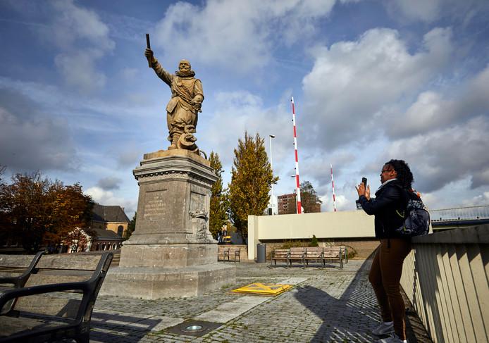 Het standbeeld van Piet Hein was ook onderwerp van discussie in Rotterdam.