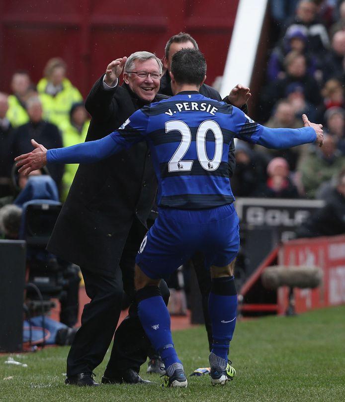 April 2013: Robin van Persie rent juichend naar Sir Alex Ferguson na een goal in en tegen Stoke.
