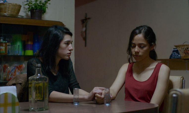 De film draait om de relaties tussen twee mannen en twee vrouwen. Beeld rv