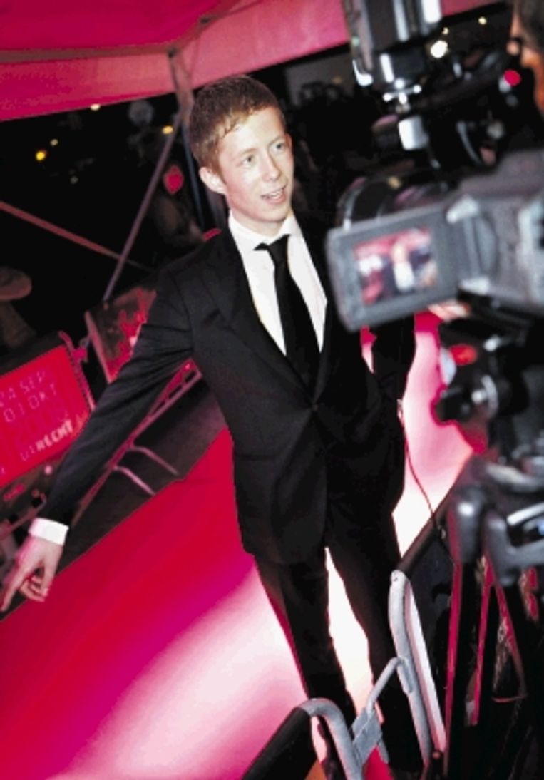 Robert de Hoog kreeg een Gouden Kalf voor zijn hoofdrol in ¿Skin¿. Ook actrice Lieke van Lexmond was aanwezig. (FOTO'S MAARTEN HARTMAN) Beeld Maarten Hartman