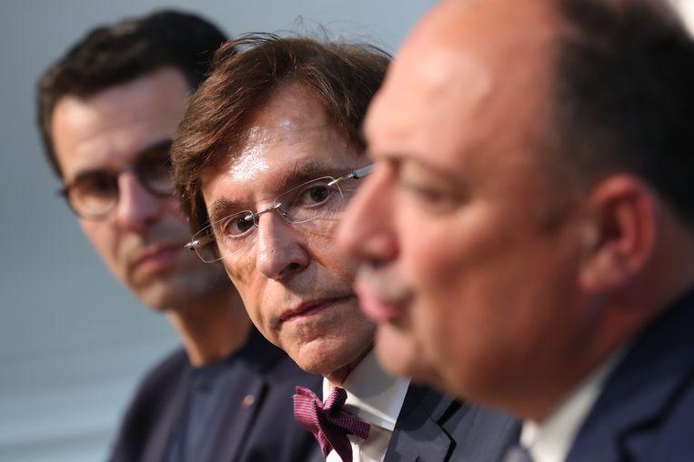 De leiders van de drie Waalse partijen die deze week een regionale regering hebben gevormd: Jean-Marc Nollet (links) van Ecolo, Elio di Rupo van de PS, en Willy Borsus van de MR. Het wachten is nu op een Vlaamse regering.   Beeld BELGA