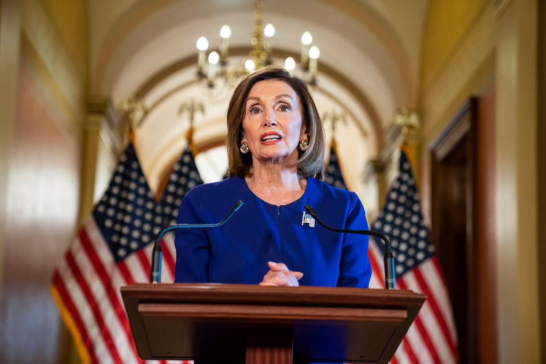 Nancy Pelosi tijdens de toespraak waarin ze het onderzoek aankondigde.