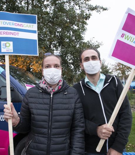 Massaal maar stil protest in Rijssen tegen ontmanteling Soweco