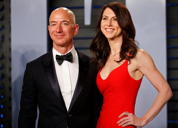 Amazon-baas Jeff Bezos  met zijn vrouw Mackenzie