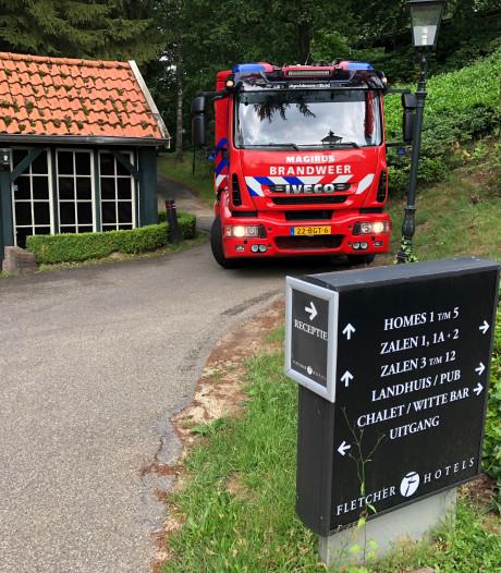 Brandweer rukt uit voor verkeerde chemicaliën-mix bij zwembad hotel Beekbergen