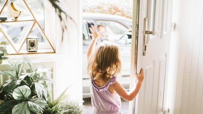 """Birdnesting of co-ouderschap waarbij de kinderen in het huis blijven is dé trend in scheidingsland: """"Volwassenen kunnen dat heen-en-weer verhuizen beter bolwerken"""""""