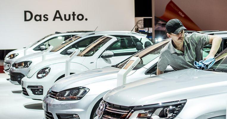 De stand van Volkswagen op de AutoRAI, tijdens de officiële opening. Beeld anp
