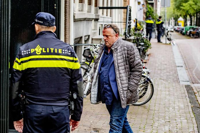Advocaat Richard Korver voorafgaand aan een herdenking voor de doodgeschoten advocaat Derk Wiersum in cultureel debatcentrum Rode Hoed.
