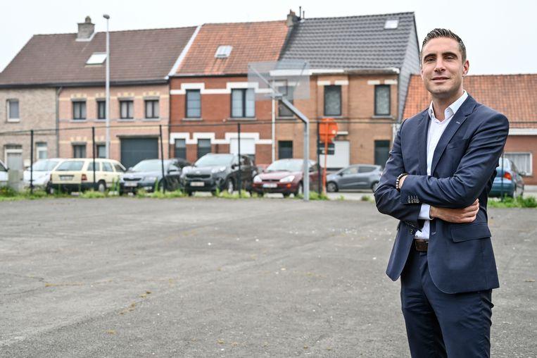 Laurens Hofman neemt het op voor de handelaars van Verkén die onder andere van het Camille Marchantplein een groene parking willen maken.