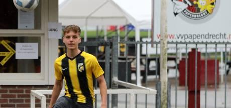Papendrechts talent (17) tekent bij Vitesse: 'Theo Janssen maakt me écht beter'
