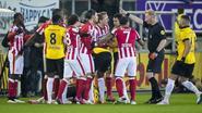 PSV heeft tegen NAC aan tien man genoeg