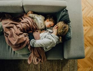 """6 op de 10 jongeren doen overdag een dutje: wanneer dat een goed idee is en wanneer niet. """"Sommige dutjes knabbelen aan je nachtrust"""""""