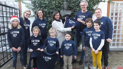 Simonnet-school lanceert Latem-hoodies