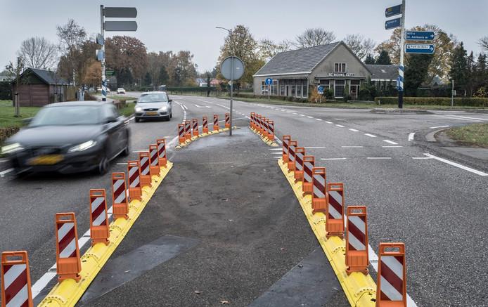 De gevaarlijke splitsing Bosschebaan met de Generaal de Bosweg is aangepast en verbeterd. In de toekomst komt op dit kruispunt een rotonde.