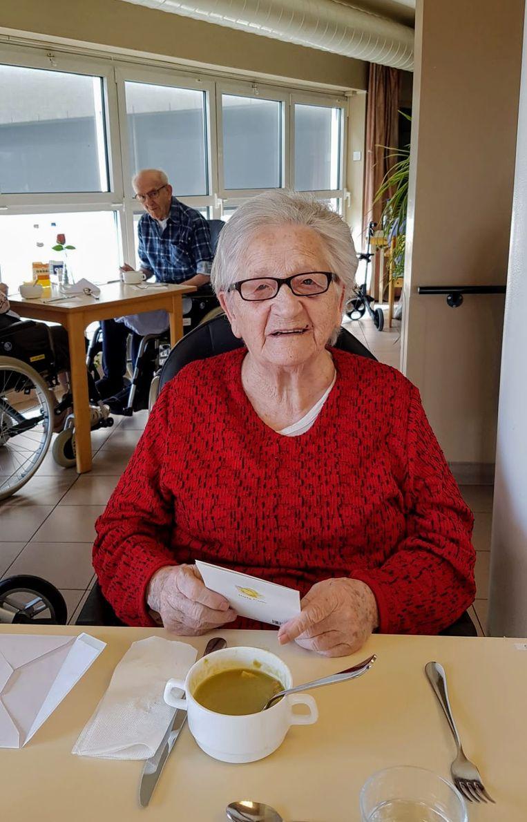 Paula van woonzorgcentrum Czagani krijgt post.