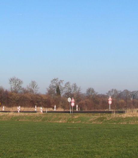 Tussen Borculo en Geesteren kun je het 'groene' stroomnet uitgerold zien worden