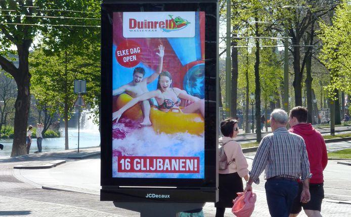 Reclamezuil op Tournooiveld Den Haag