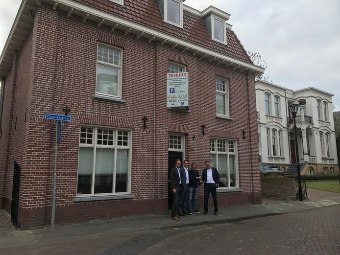 Het nieuwe pand dat OJW Advocaten begin 2017 betrekt. Op de voorgrond vlnr. Gert Jan Mooren, Maikel den Otter, Dirk van Santvoord.