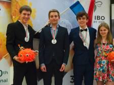 Leerling Eckartcollege wint goud op Biologie Olympiade in Hongarije