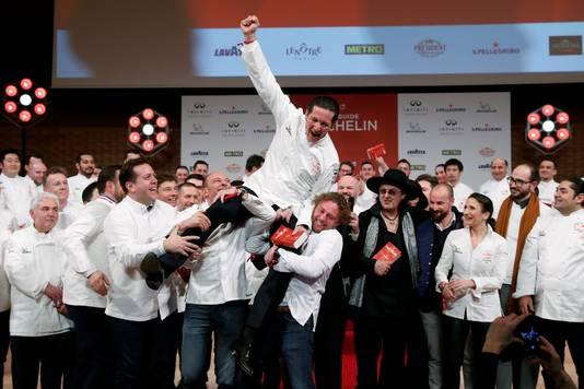 Les chefs français, lors de la remise des prix de 2018, avec Marc Veyrat, vêtu de noir.