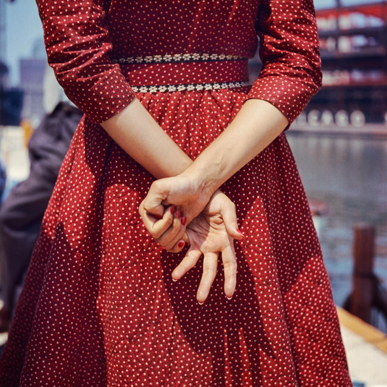 Location unknown, 1956. Beeld Nalatenschap Vivian Maier, Maloof Collection en Howard Greenberg Gallery, New York
