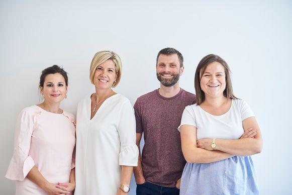 Karolien Lafaut (tweede van links) en haar team.