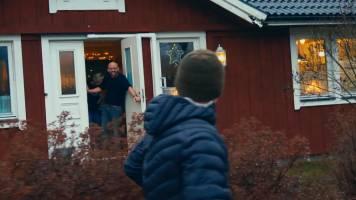 LEUK: Mathias verrast broer Staf met een bezoek in Zweden!