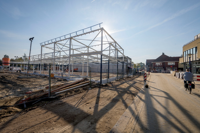 Het geraamte van de nieuwe Lidl in Eibergen, in oktober 2018.