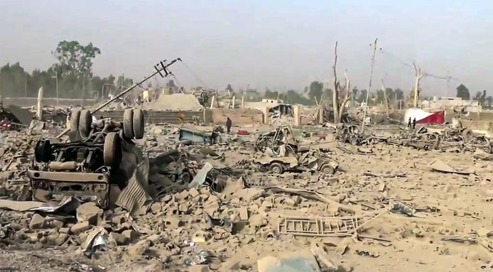 De ravage na het bombardement in Hawija in juni 2015
