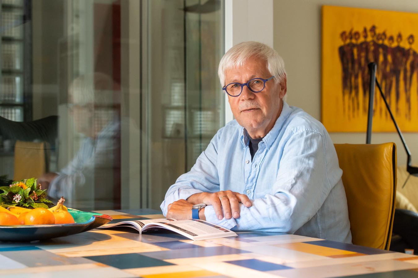 Dik van Beest is al 74 edities presentator van Spraakvermaak.