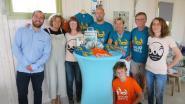 Beachbar verkoopt T-shirts ten voordele van Proper Strand Lopers
