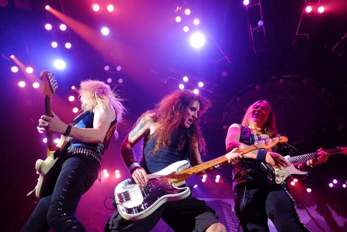 Iron Maiden tijdens het optreden in juni van dit jaar in GelreDome.