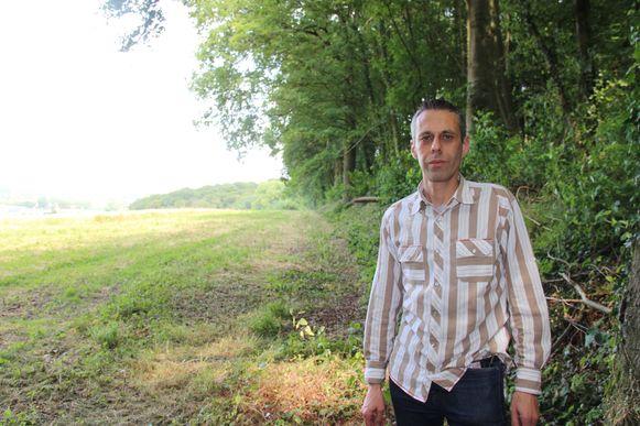 Davy Degroote maakt zich zorgen om de veiligheid nu er op reeën gejaagd wordt op percelen langs het Kluisbos.