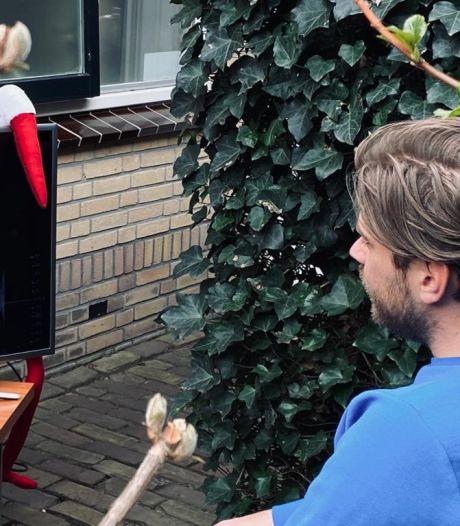 Deze verloskundigenpraktijk zet tv buiten: 'Kan partner tóch live echo zien'