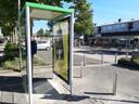 De telefooncel aan de Schimmelpenninckstraat is nog wel intact.