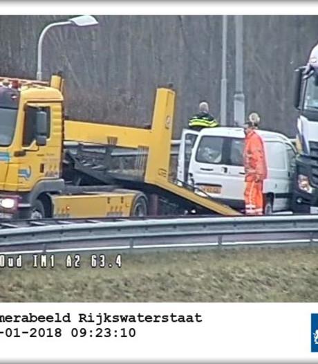 A12 bij Oudenrijn weer vrijgegeven na botsing tussen vrachtwagen en auto