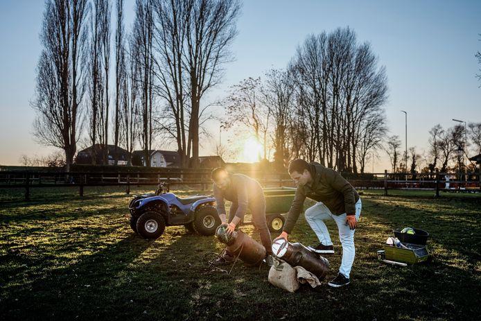 Carbidschieten in Spijk. Archieffoto: Jan Ruland van den Brink
