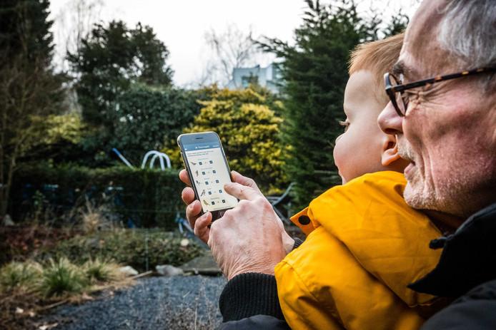 Vogelbescherming lanceerde een app waarmee spotters gemakkelijk soorten en aantallen vogels door konden geven.