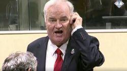 Ratko Mladic, grootste oorlogsmisdadiger van Europa sinds WOII, krijgt levenslang