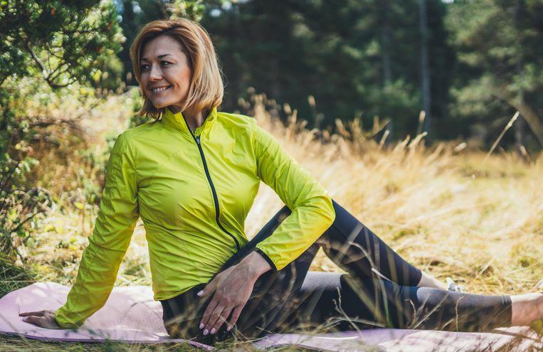 """""""Focus bij het stretchen vooral op de spieren in je billen en onderrug."""""""