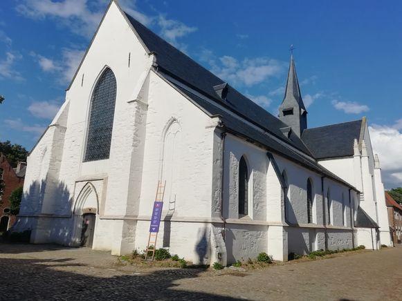 De Sint-Catharinakerk in het Begijnhof.