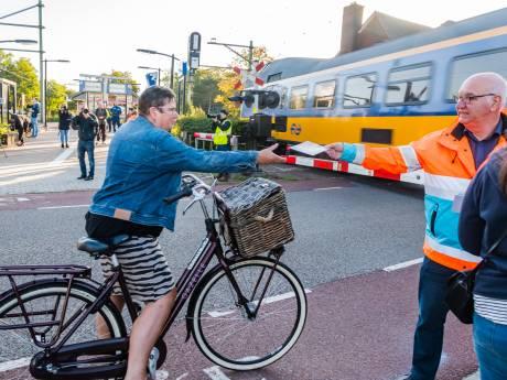 Advies: 'Sluit onveilige spoorwegovergang in Den Dolder'