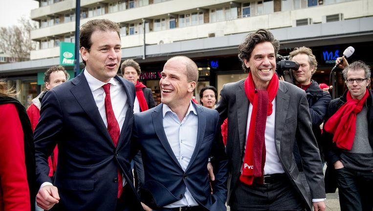 PvdAers Diederik Samsom (M), Lodewijk Asscher (L) en Pieter Hilhorst (R) tijdens de campagne van PvdA Beeld ANP