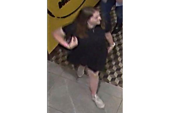Het laatste beeld van Grace Millane in Auckland afgelopen zaterdagnacht dat werd vrijgegeven door de politie.