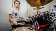 """Tibo Polleunis, een Brugse drummer in Hasselt, is de kleinzoon van Johny Voners: """"Hij heeft mij getoond dat het mogelijk is van je artistiek talent je beroep te maken"""""""
