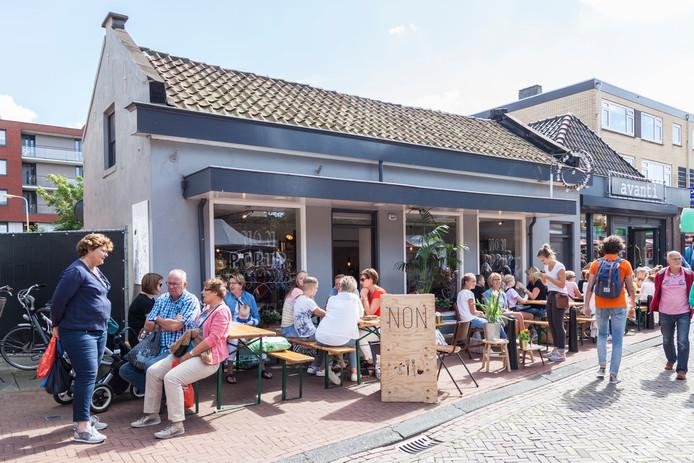 Koffiebar NON uit De Lier verhuist naar een vast pand.