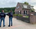 FIOD onderzoekt woning aan de Koestraat in Velddriel.